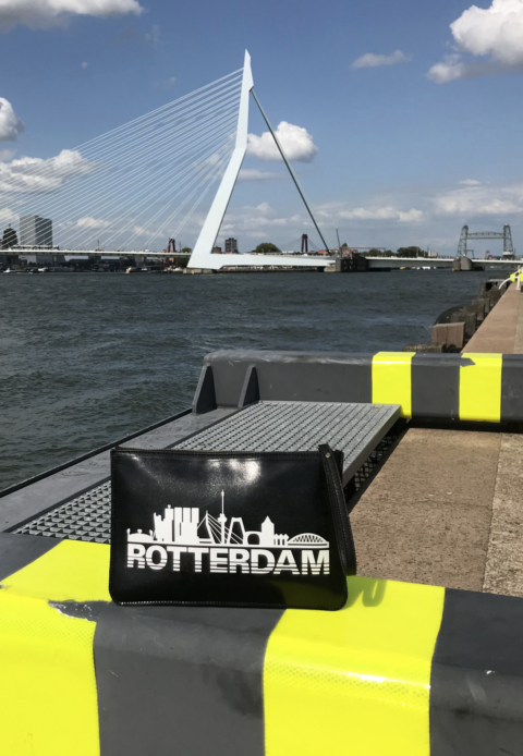 "Rotterdams Tassie ""Rotterdam Skyline"" Voorkant Erasmusbrug"